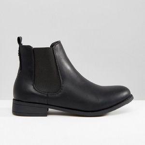 NWOB ASOS Park Lane Flat Chelsea Boots